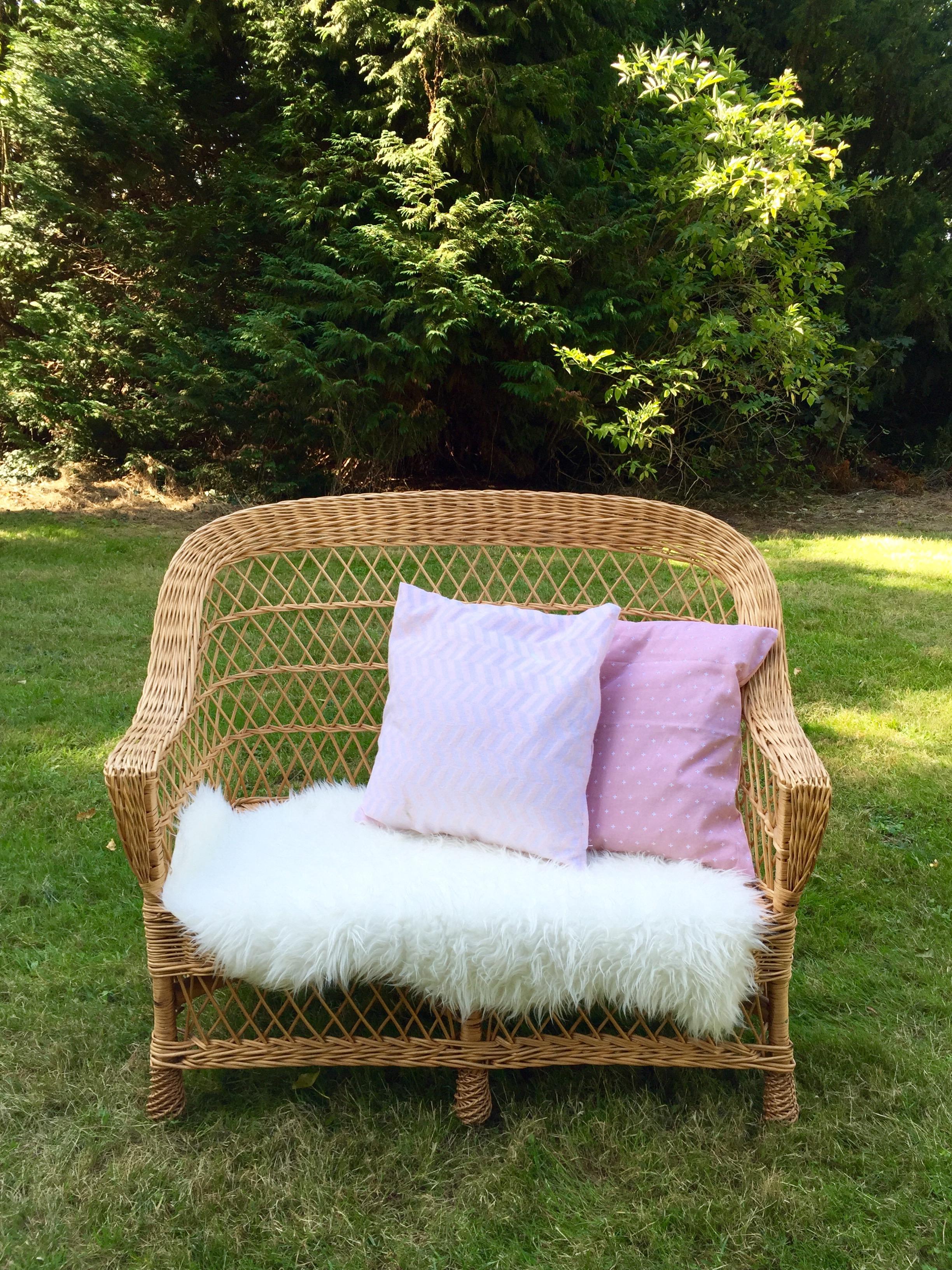 banquette osier vintage. Black Bedroom Furniture Sets. Home Design Ideas