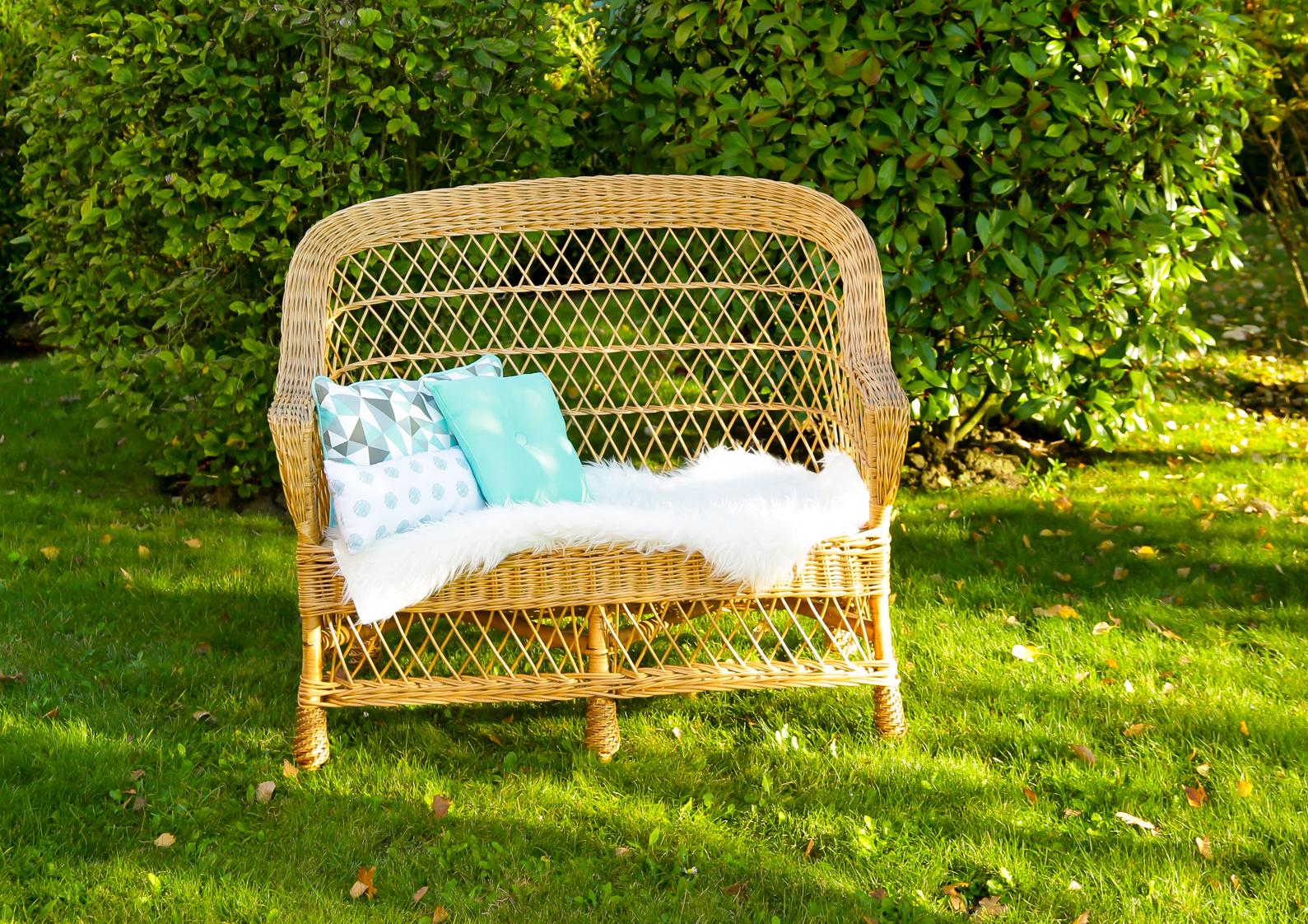banquette en osier mariage vintage. Black Bedroom Furniture Sets. Home Design Ideas