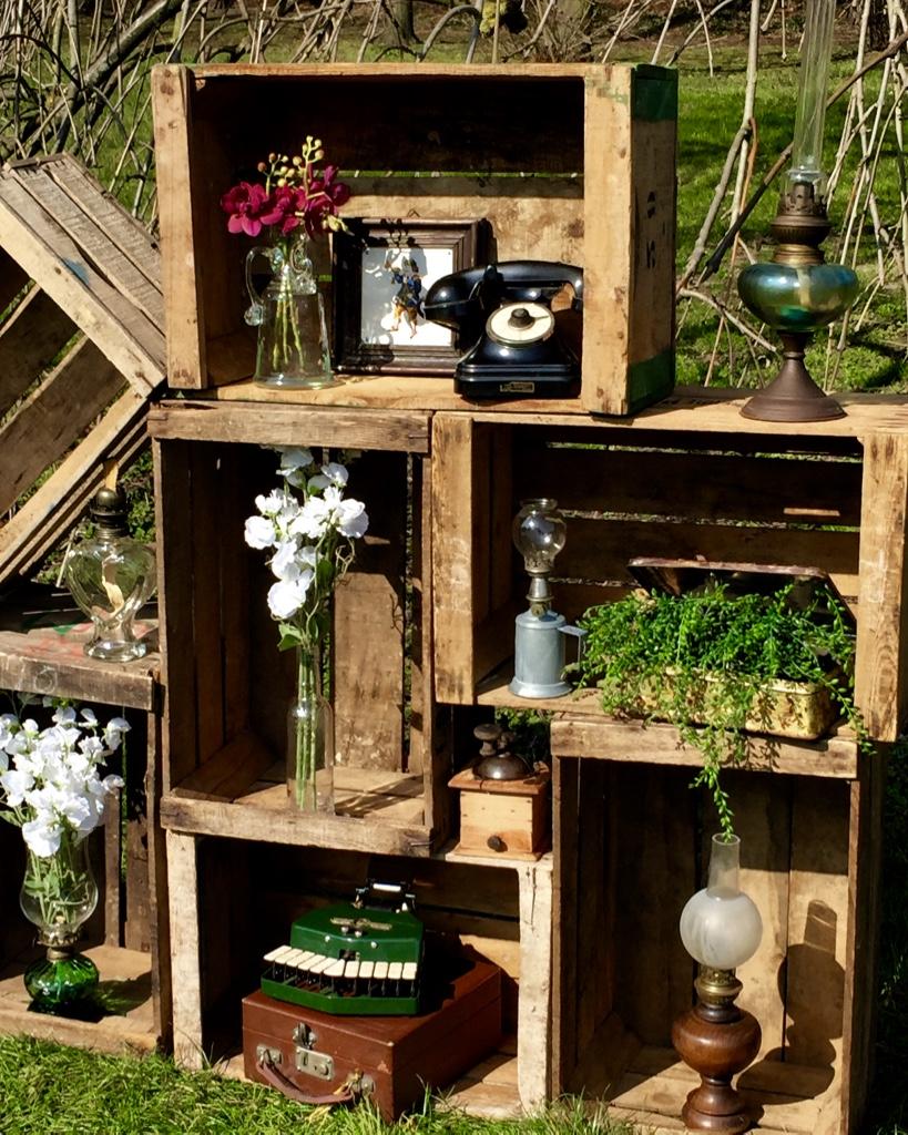 location decoration vintage cageot. Black Bedroom Furniture Sets. Home Design Ideas
